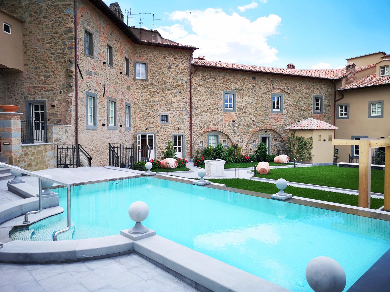 Outside pool Monastero di Cortona Hotel & Spa - Hotel Cortona Tuscany